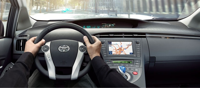 toyota-prius-2012-top-feature-driving_tcm303-1105983